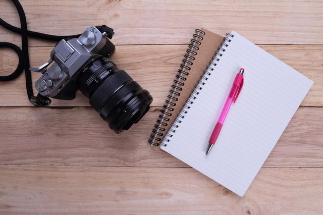 カメラと取材ノート