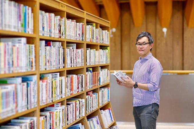 作家・越尾圭さんが選ぶ5冊の本┃人生を共に歩んだ「ミステリー小説家をつくった本」